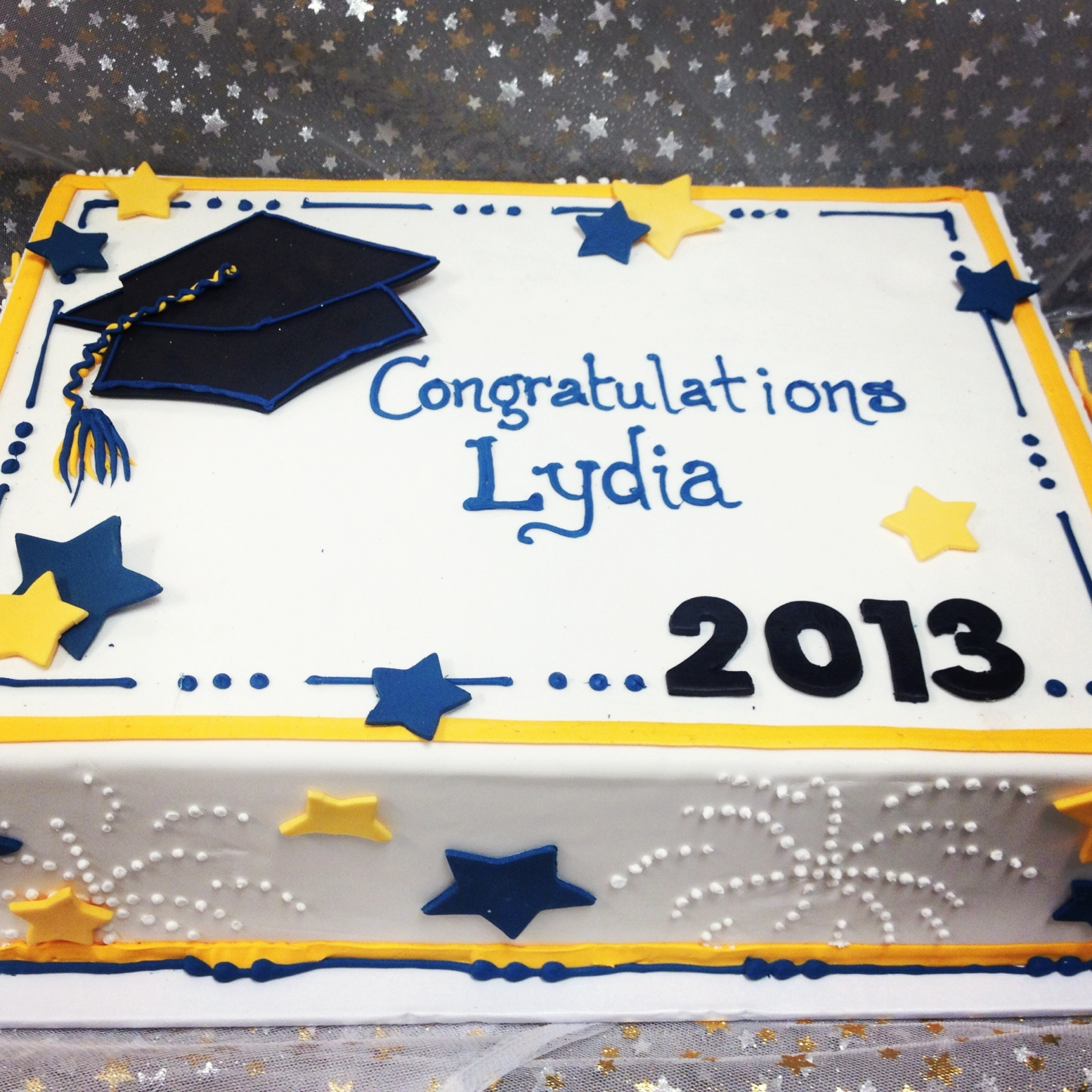 Images Of Graduation Cake : 1000+ images about graduation party ideas on Pinterest ...